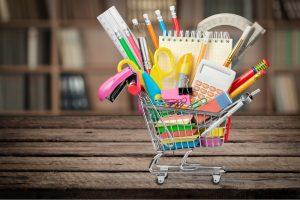 9 dicas para economizar na compra de material escolar por Ana Luiza Masi