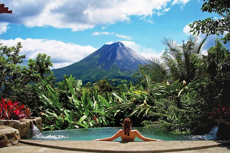 Booking.com lista 6 destinos vulcânicos