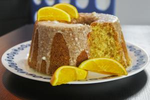 Bolo de laranja com casca da culinarista Augusta Nani