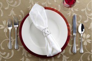 Dicas de etiqueta em um jantar chique por Fabio Arruda