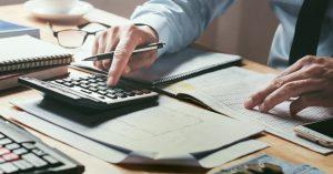 Como economizar não pagando a tarifa bancária por Thiago Martello