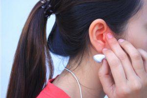 Uso de fones de ouvido e relação com a surdez com Dr. Cícero Matsuyama