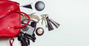 Como organizar bolsa feminina por Ingrid Lisboa