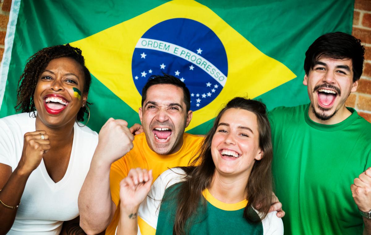 Camisetas das cores do Brasil