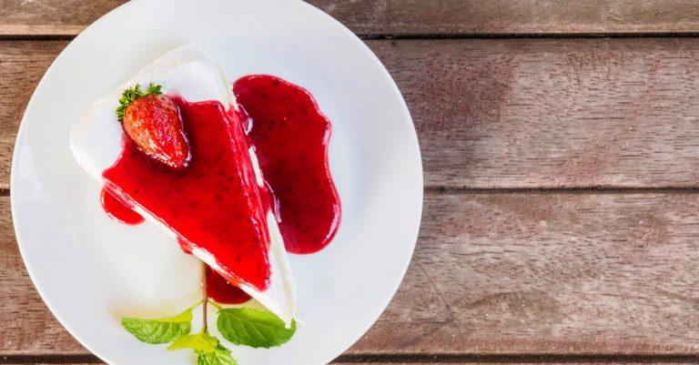 Receita da revista da Catia: Manjar com calda de morango