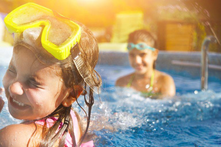 5 coisas que você deve saber sobre a ida das crianças em praias e piscinas por Dr. Jamal Azzam