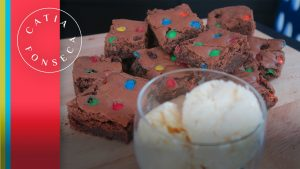 Vou te contar o segredo do meu Brownie de chocolate com m&m!!