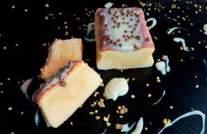 Bolo de leite condensado com ganache de chocolate branco por Marcelo Faria