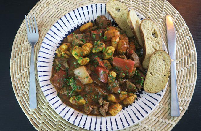 Goulash - Picadinho de carne com legumes com chef Raphael Campos