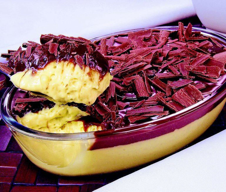 Receita da revista da Catia: Mousse de maracujá com ganache
