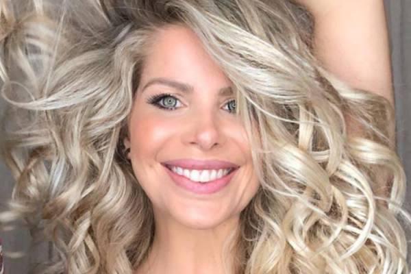 Karina Bacchi é flagrada em momento íntimo – Confira!