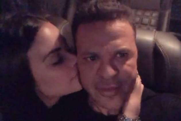 Em vídeo, Eduardo Costa aparece em momento íntimo com a namorada