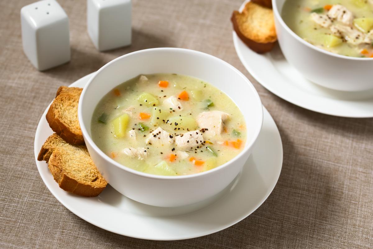 Sopa de batata-doce com frango