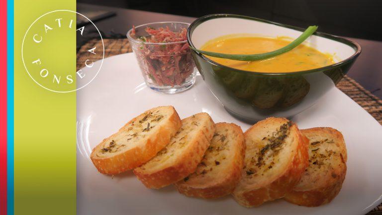 Aprenda como preparar uma sopa creme de abóbora com carne seca deliciosa!!