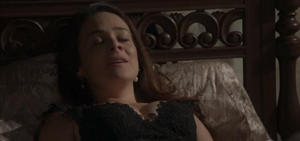 Após cenas de violência e sexo selvagem, novela das 18h Orgulho e Paixão é reclassificada para menores e Globo reclama de 'censura'