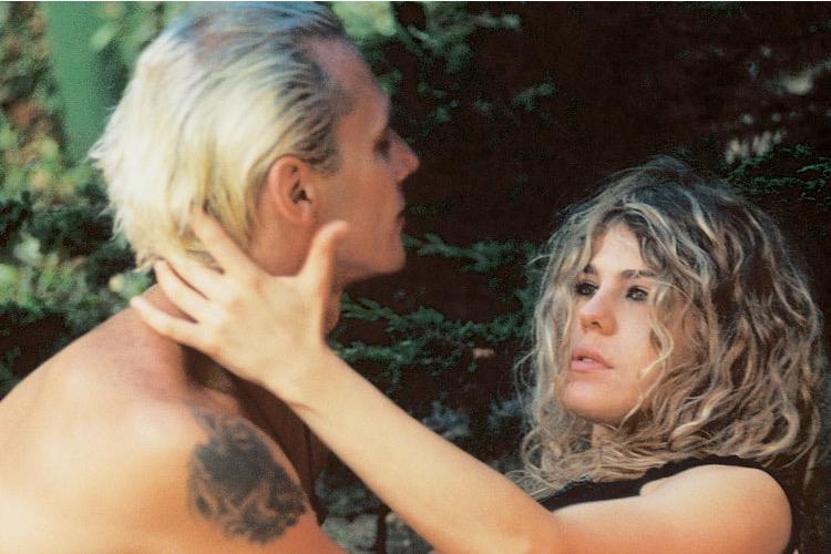 Bárbara Paz relembra música de romance com Supla em A Casa dos Artistas e fãs vibram