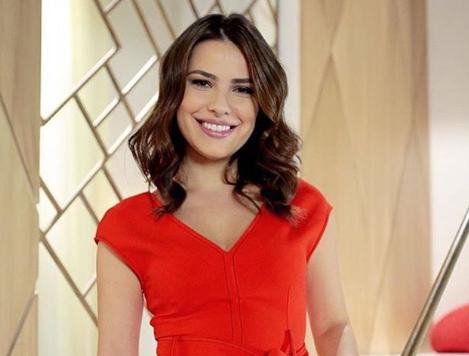 Thaís Melchior participa de programa do SBT antes da estreia em As Aventuras de Poliana