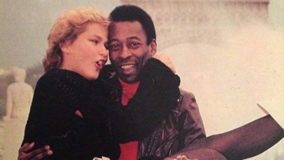 """Xuxa revela como perdeu a virgindade e abre o jogo sobre traições de Pelé: """"Me fez coisas muito feias"""""""