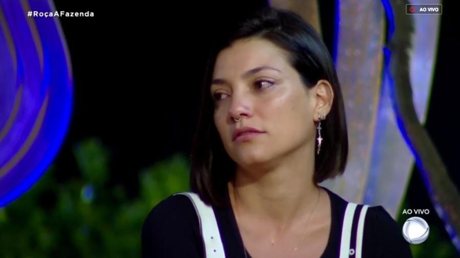 A Fazenda: Após briga, Vida Vlatt procura Gabi Prado para pedir desculpas e surpreende