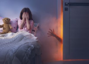 Como ajudar seu filho a superar o medo de escuro por Marcelo Cunha Bueno