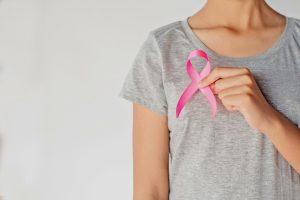 Outubro Rosa: Mitos e verdades sobre o câncer de mama