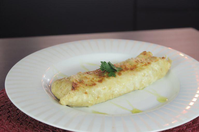 Crepe de presunto, queijo e molho bechamel  por Sabrina Kanai