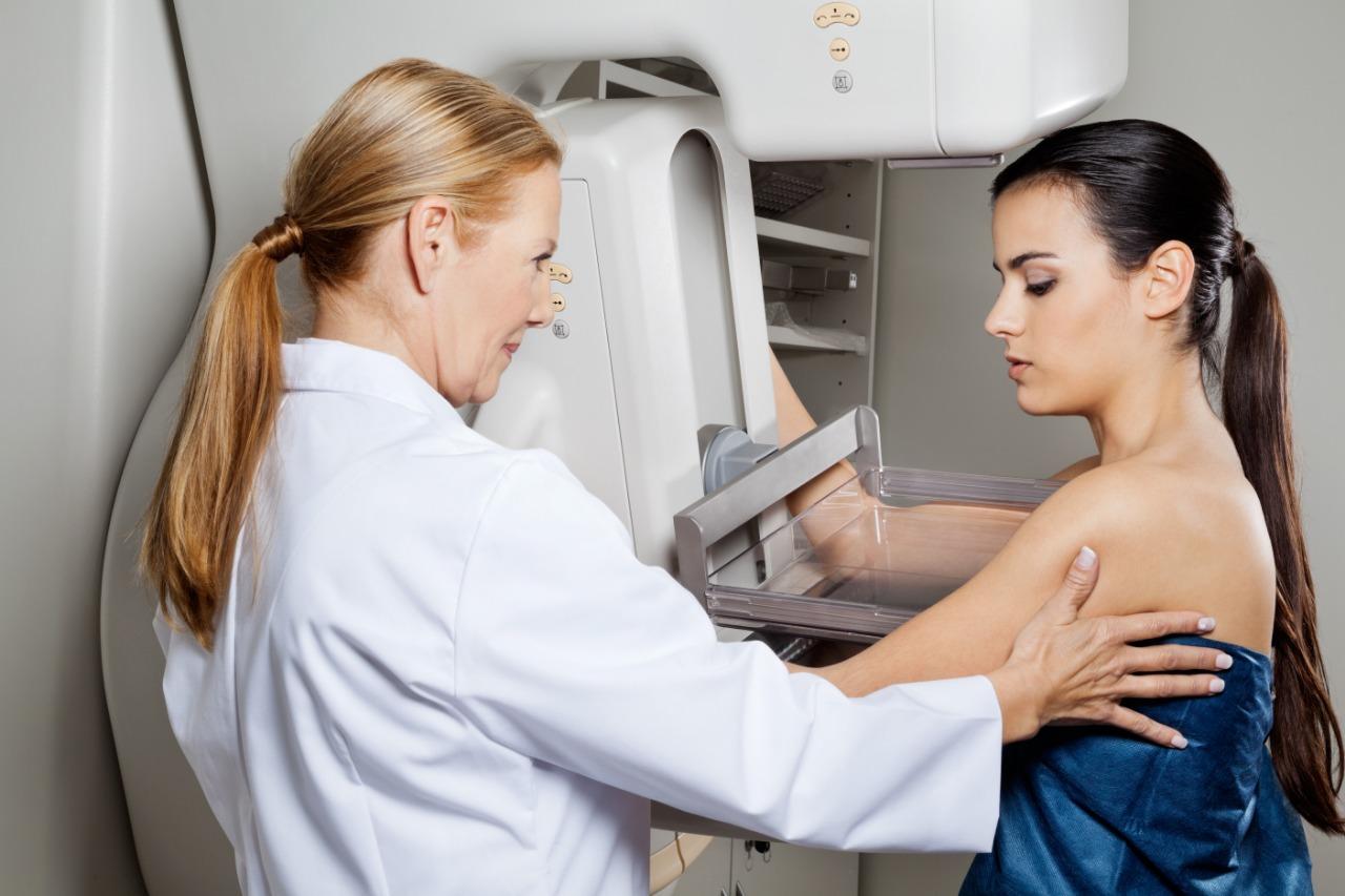 Tv Catia Fonseca - Outubro rosa: 12 perguntas e respostas que ajudam no diagnóstico precoce do câncer de mama - mamografia