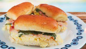 Mini sanduíches assados por Janaina Lorena