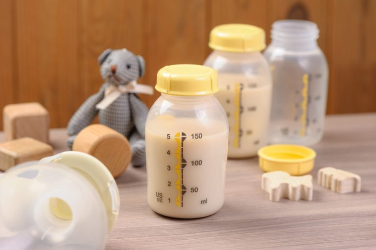 Armazenamento de leite materno: O que você precisa saber? por Bruna Briones