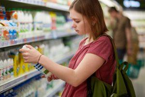 Aprenda a ler os rótulos das embalagens  por Dra. Andressa Heimbecher