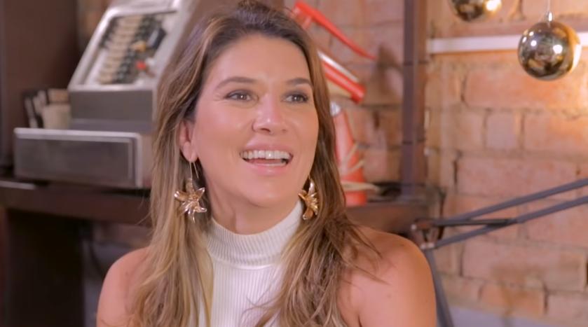Rebeca Abravanel abre o coração, fala sobre solteirice e polêmica de Silvio Santos com Claudia Leitte