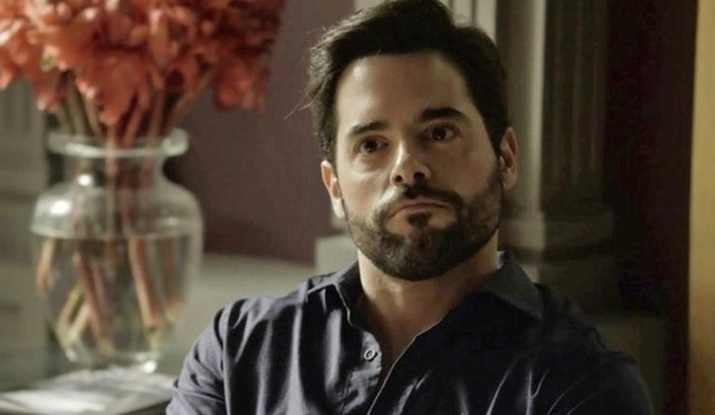 Com passagens na Globo e Record, ator português quer interpretar carioca: 'Trabalhando arduamente o sotaque'