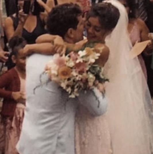 """Sophie Charlotte comemora """"bodas"""" com Daniel de Oliveira: 'Um amor dourado que me fortalece'"""
