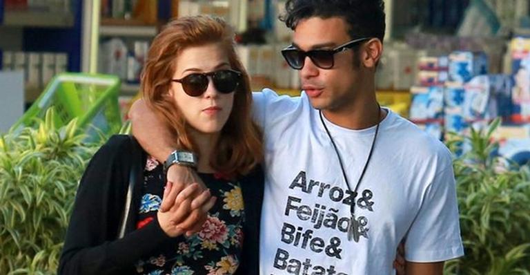 Após saia-justa, Sophia Abrahão se pronuncia sobre casamento com Sergio Malheiros