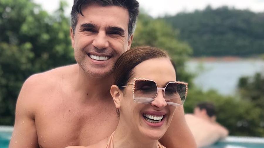 Claudia Raia oficializa seu casamento com Jarbas Homem de Mello e damas de honra famosas roubam a cena