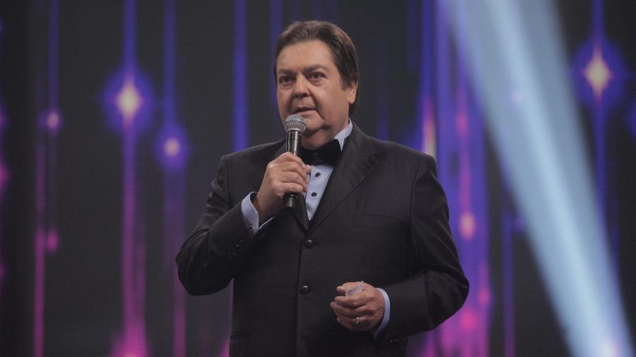 """Melhores do Ano do Faustão : Tatá Werneck fala de """"demissão"""", ator defende Lula e atriz é injustiçada"""