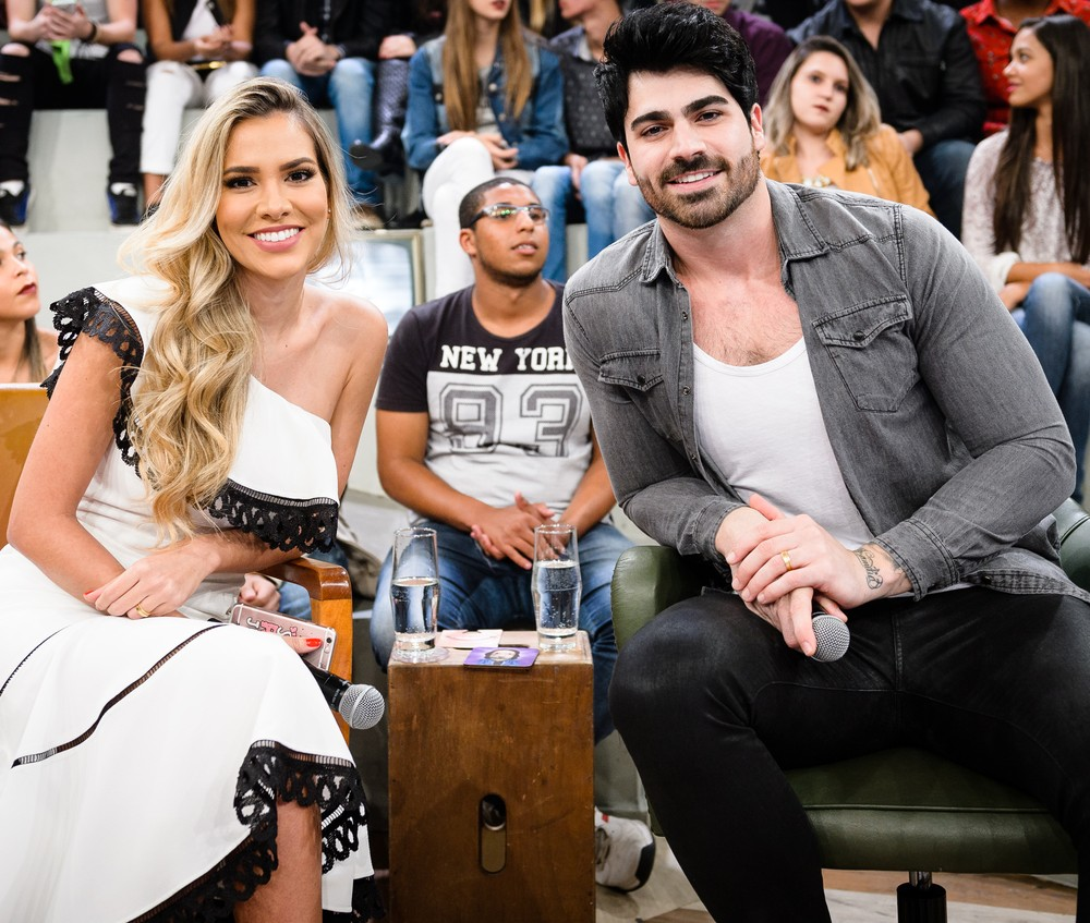 Ex-BBB Rodrigão exibe momento íntimo com os filhos e manda indireta para Adriana Sant'Anna