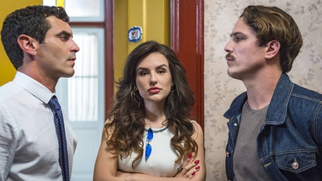 Espelho da Vida: Mariane é disputada por César e Marcelo