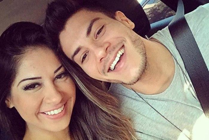 """Esposa de Arthur Aguiar, Mayra Cardi cobre o rosto da filha e é detonada: """"Doente"""""""