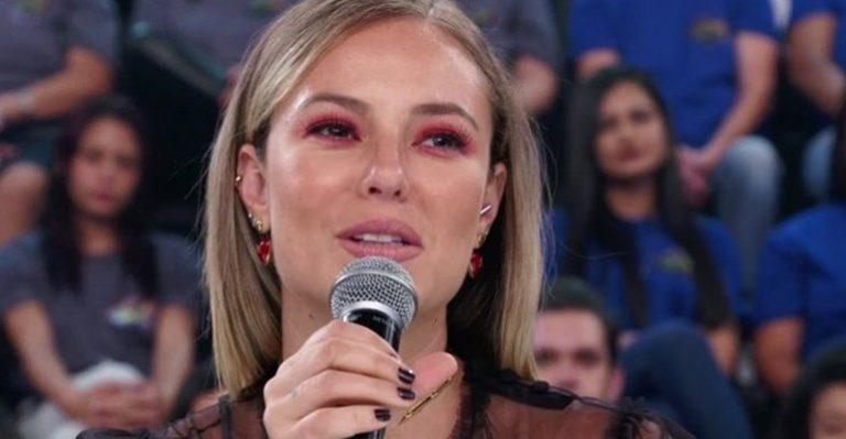 """Verdadeiro nome de Paolla Oliveira é revelado na Globo e atriz lamenta: """"É estranho"""""""