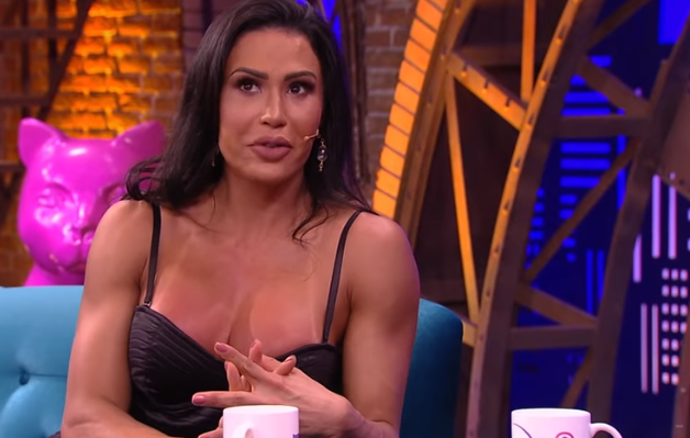 """Gracyanne Barbosa faz sexo com outras mulheres e assume posição favorita: """"De quatro"""""""