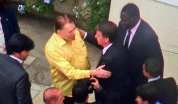 Globo expõe Silvio Santos e divulga novas imagens de Bolsonaro em sua casa
