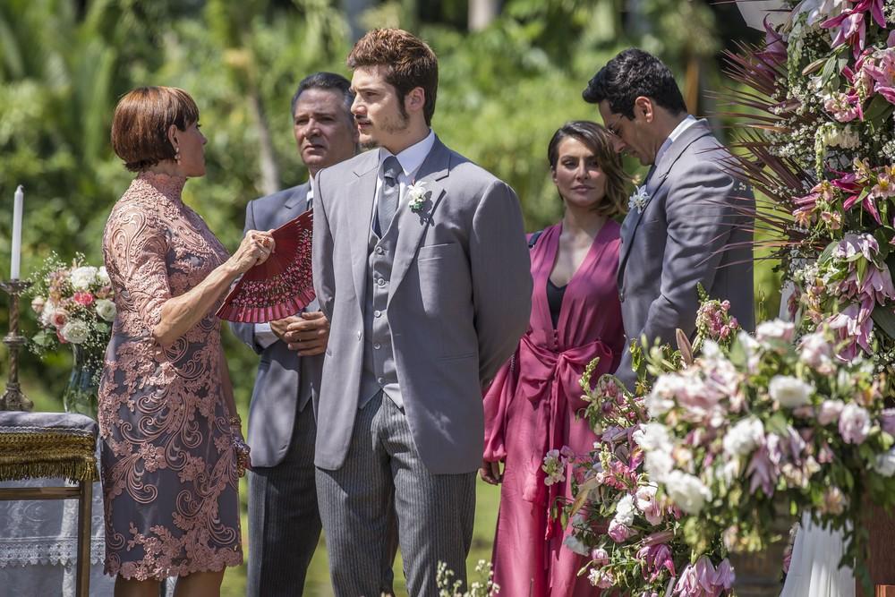 O Tempo Não Para: Prestes a casar, Samuca tem papo emocionante com Livaldo