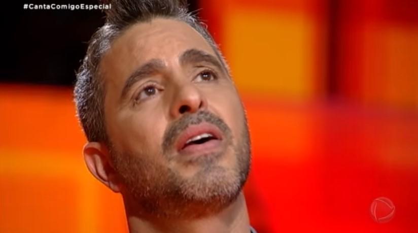 Reinaldo Gottino se emociona com apresentação de produtor da Record no Canta Comigo e faz revelação sobre ele