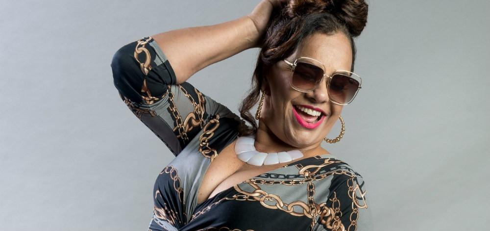Ousada, atriz Solange Couto posa nua aos 61 anos e prova que o tempo pode parar sim!