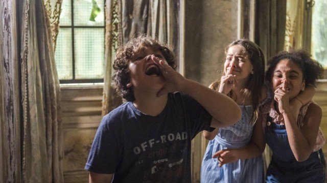 Espelho da Vida: Guardiã mostra seus poderes para Jadson e impressiona o garoto