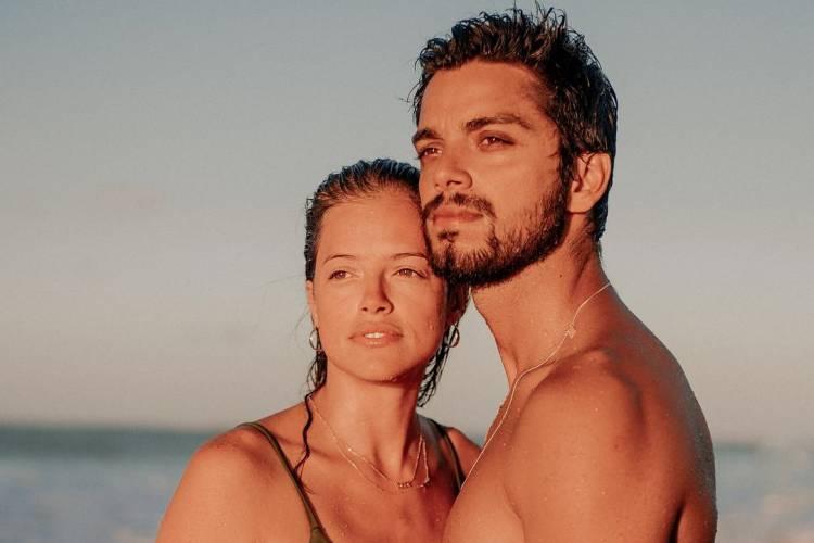 """Agatha Moreira faz declaração para Rodrigo Simas e mãe do ator agradece: """"Obrigada por isso"""""""