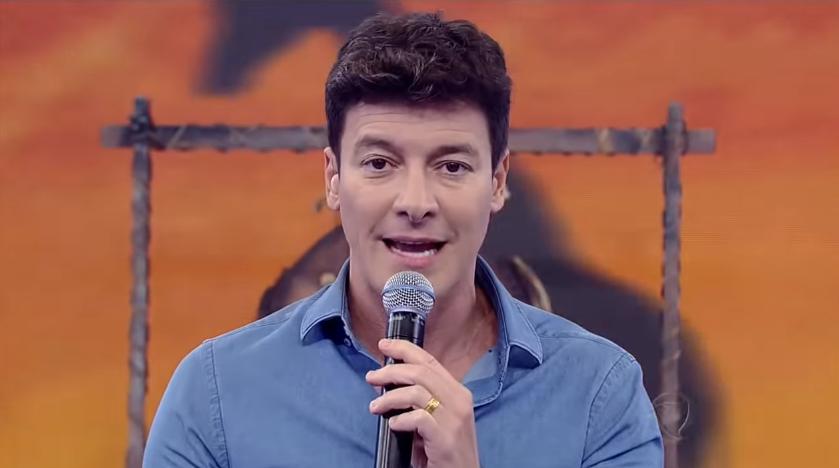 """Rodrigo Faro inicia 2019 em alta na audiência e comemora: """"Mais um domingo de liderança"""""""