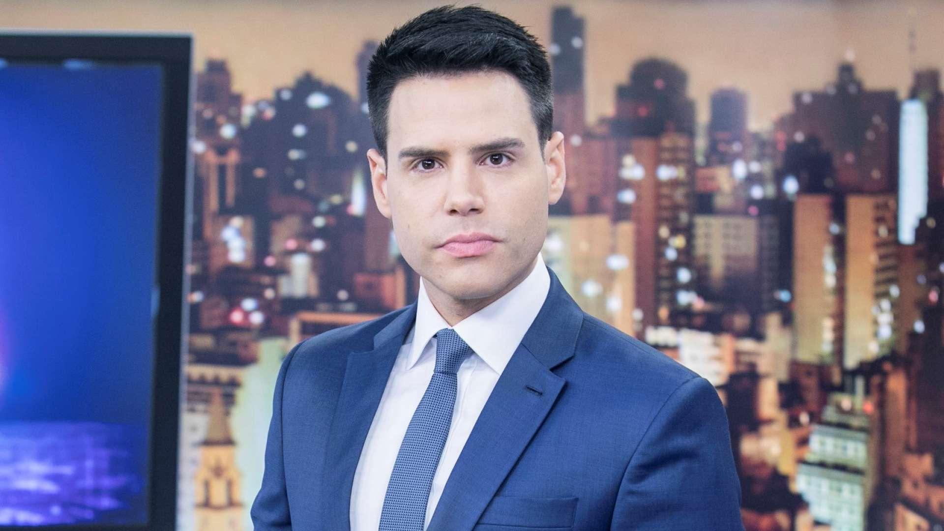 Luiz Bacci insinua que faz sexo todos os dias, transa no primeiro encontro e lamenta carência