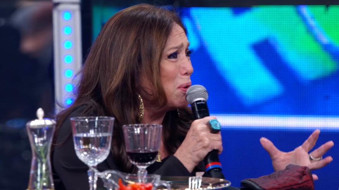 Susana Vieira surge aos beijos com homens e mulheres na Globo e imagens repercutem